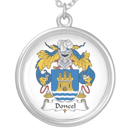 Escudo de la familia de Doncel Colgantes