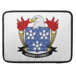 Escudo de la familia de Dorsey Funda Para Macbook Pro