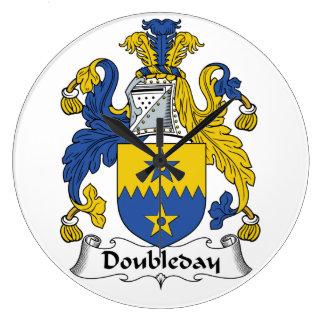 Escudo de la familia de Doubleday Reloj Redondo Grande