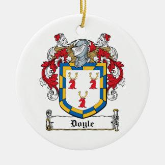 Escudo de la familia de Doyle Adorno Navideño Redondo De Cerámica