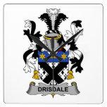 Escudo de la familia de Drisdale Relojes De Pared