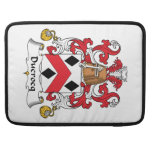 Escudo de la familia de Ducrocq Fundas Para Macbooks