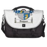 Escudo de la familia de Duggan Bolsas De Portátil