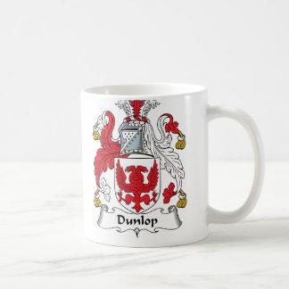 Escudo de la familia de Dunlop Taza Básica Blanca