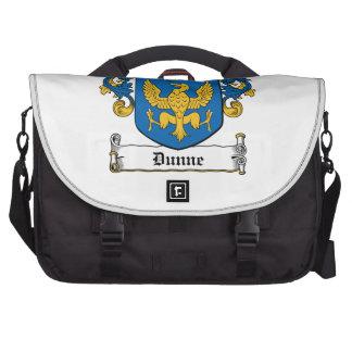 Escudo de la familia de Dunne Bolsas Para Portatil