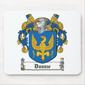 Escudo de la familia de Dunne Alfombrillas De Ratón