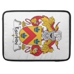 Escudo de la familia de Egerbide Funda Para Macbooks