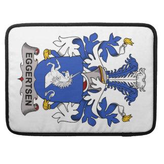 Escudo de la familia de Eggertsen Fundas Para Macbooks