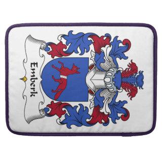 Escudo de la familia de Emberk Funda Para Macbook Pro