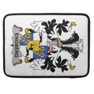 Escudo de la familia de Engberg Fundas Para Macbook Pro