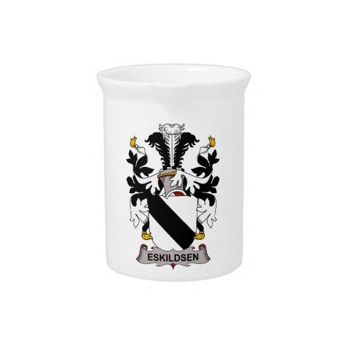 Escudo de la familia de Eskildsen Jarra Para Bebida