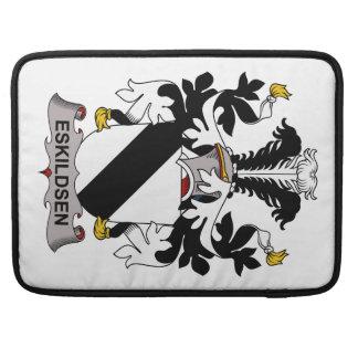 Escudo de la familia de Eskildsen Fundas Macbook Pro