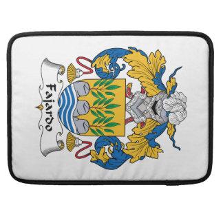 Escudo de la familia de Fajardo Funda Para Macbooks