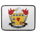 Escudo de la familia de Faneuil Fundas Para Macbooks