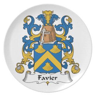 Escudo de la familia de Favier Plato De Cena