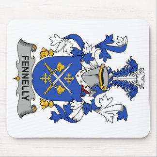 Escudo de la familia de Fennelly Alfombrillas De Ratón