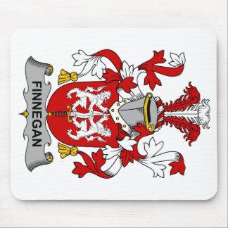 Escudo de la familia de Finnegan Alfombrillas De Raton
