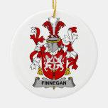 Escudo de la familia de Finnegan Ornamento De Navidad