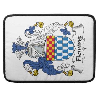 Escudo de la familia de Fleming Fundas Para Macbook Pro