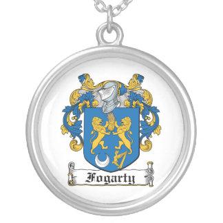 Escudo de la familia de Fogarty Collar Plateado
