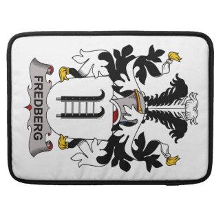 Escudo de la familia de Fredberg Fundas Macbook Pro