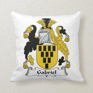 Escudo de la familia de Gabriel Almohadas