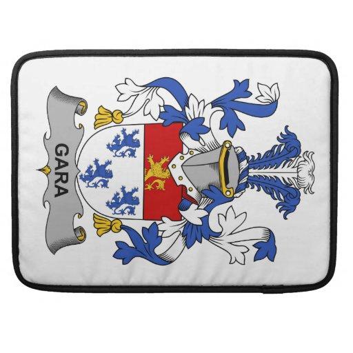 Escudo de la familia de Gara Fundas Para Macbooks