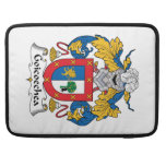 Escudo de la familia de Goicoechea Funda Para Macbook Pro