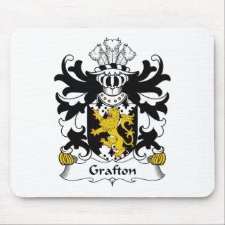 Escudo de la familia de Grafton Tapetes De Ratones