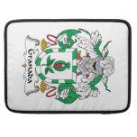 Escudo de la familia de Granada Fundas Para Macbooks