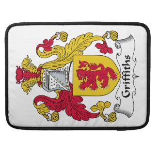 Escudo de la familia de Griffiths Fundas Para Macbooks