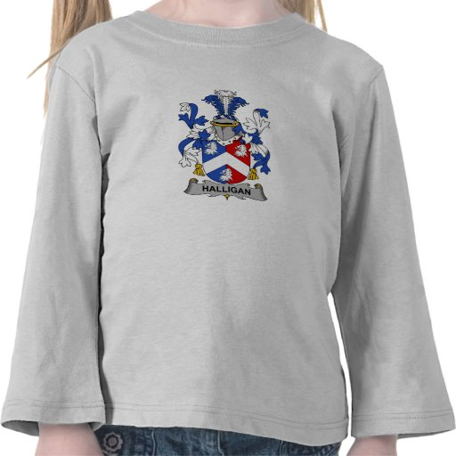 Escudo de la familia de Halligan Camiseta