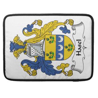 Escudo de la familia de Hasel Funda Para Macbook Pro