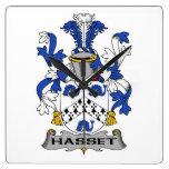 Escudo de la familia de Hasset Relojes De Pared