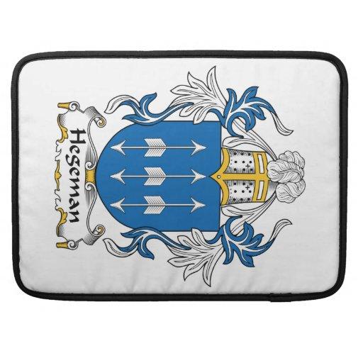 Escudo de la familia de Hegeman Fundas Para Macbook Pro