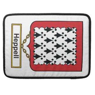 Escudo de la familia de Heppell Fundas Para Macbooks