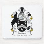 Escudo de la familia de Herne Alfombrillas De Ratón