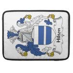 Escudo de la familia de Hilton Funda Para Macbook Pro