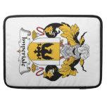 Escudo de la familia de Imperiale Fundas Para Macbooks