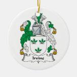 Escudo de la familia de Irvine Adorno Navideño Redondo De Cerámica