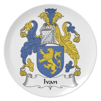 Escudo de la familia de Ivan Plato De Comida