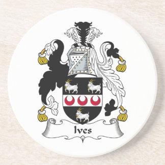 Escudo de la familia de Ives Posavasos Cerveza