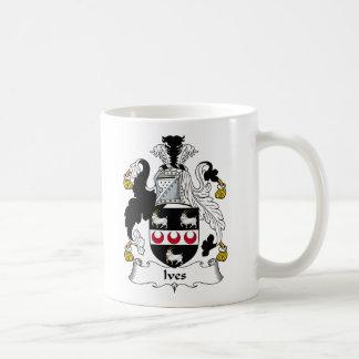 Escudo de la familia de Ives Taza De Café