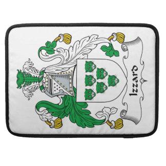 Escudo de la familia de Izzard Fundas Para Macbooks