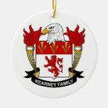 Escudo de la familia de Kearney Ornamento De Reyes Magos