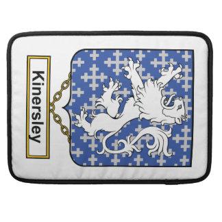 Escudo de la familia de Kinersley Fundas Para Macbook Pro