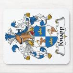 Escudo de la familia de Knapp Tapetes De Ratones