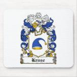 Escudo de la familia de Kruse Tapetes De Ratones