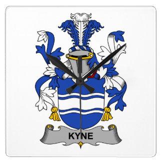 Escudo de la familia de Kyne Reloj Cuadrado