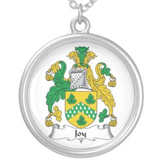 Escudo de la familia de la alegría colgante redondo